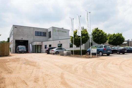 Het gebouw van Octinion telt 1800 m² werkplaats, kantoorruimte en labo's